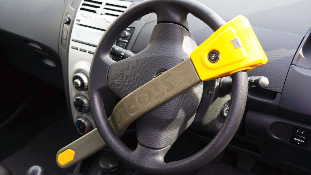 a steering wheel is secured with a Stoplock device