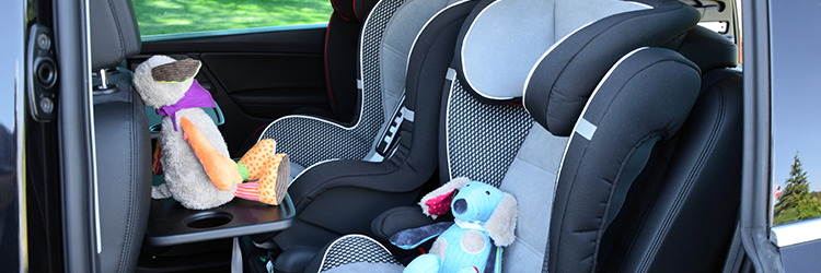 Child safety seats with cuddly toys